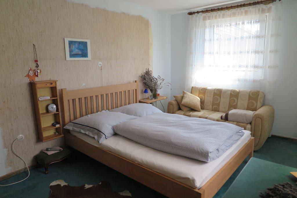 wohnung im haus dusche im keller wohnungen zur miete. Black Bedroom Furniture Sets. Home Design Ideas