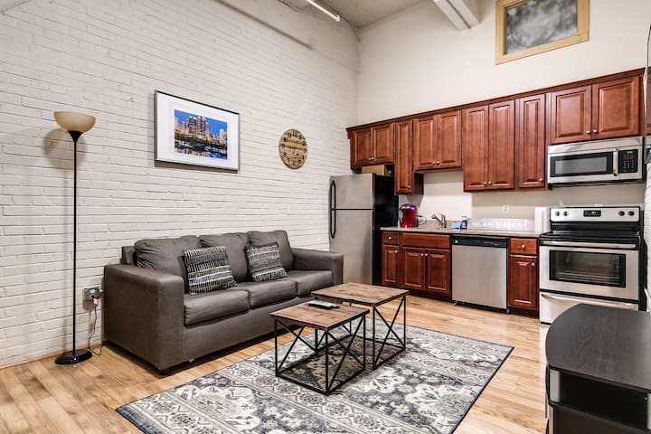 Shockoe Cozy Studio-near Main Station FREE Parking