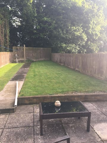 Large South Facing  Garden (lot's of sun)  an ideal place for children to play safely.