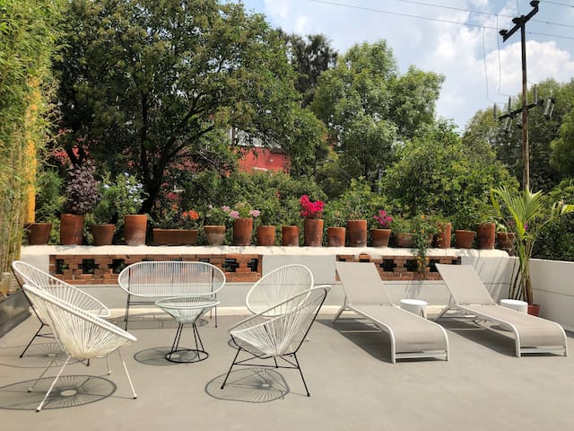 Roma Spot: Best Location w/Rooftop up to 50%off!!