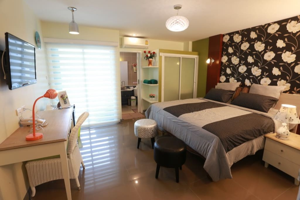 Deluxe room with modern style