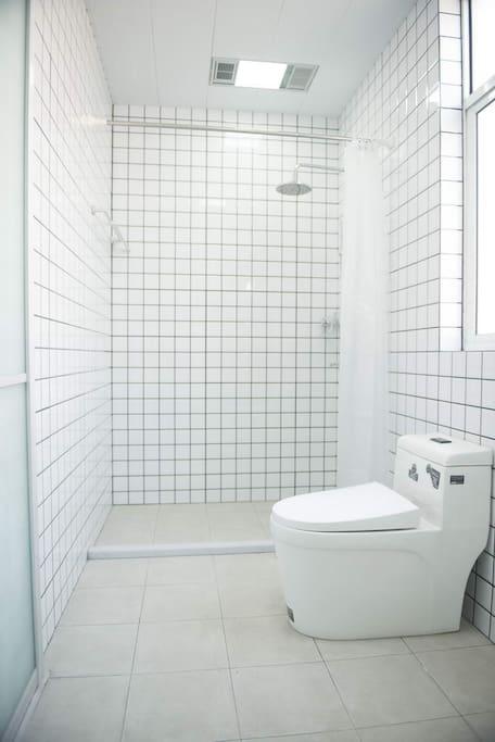 客房的独立卫生间