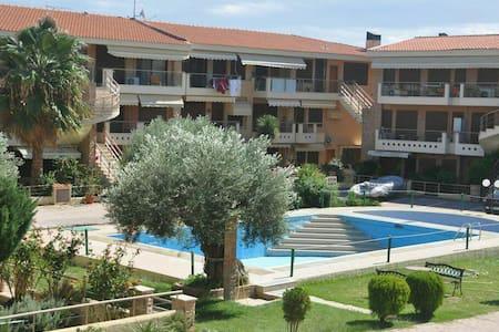 R58 Beautiful maisonette with pool! - Yerakini - Casa
