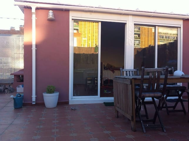 -- FAMILY FRIENDLY / BEAUTIFUL DUPLEX -- - Madrid - Pis