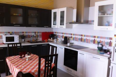 Посуточно 1-комнатная квартира - Одинцово - Apartment