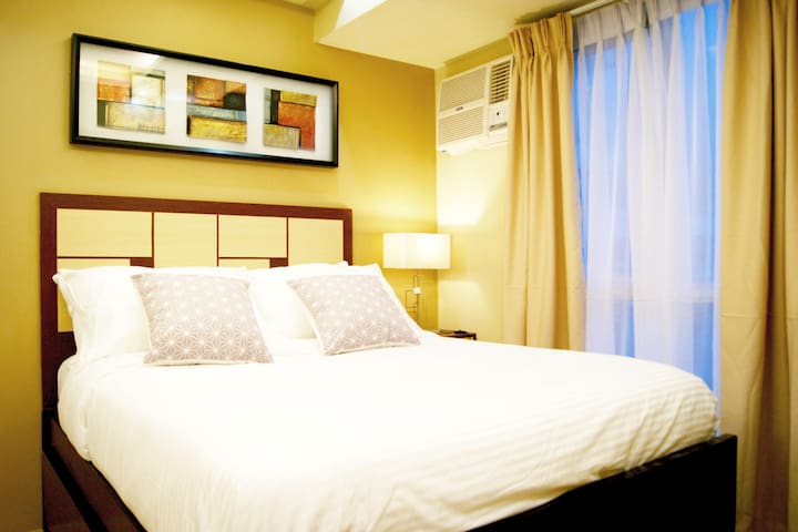 All-New Studio Unit ★Next to Ayala ★Staycation ★