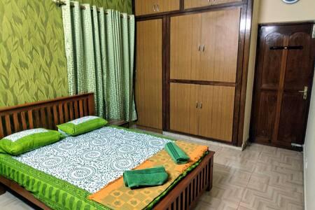 Sekar's Residence Room 2