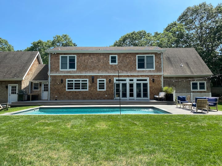 Newly renovated house w heated pool East Hampton