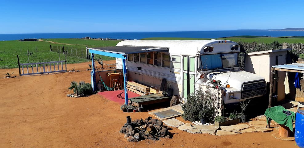 Adele's Ranch BUS - Ocean view - breakfast option
