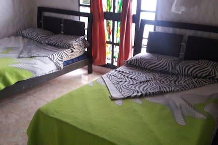 Cómodas y acogedoras habitaciones! - Silvania