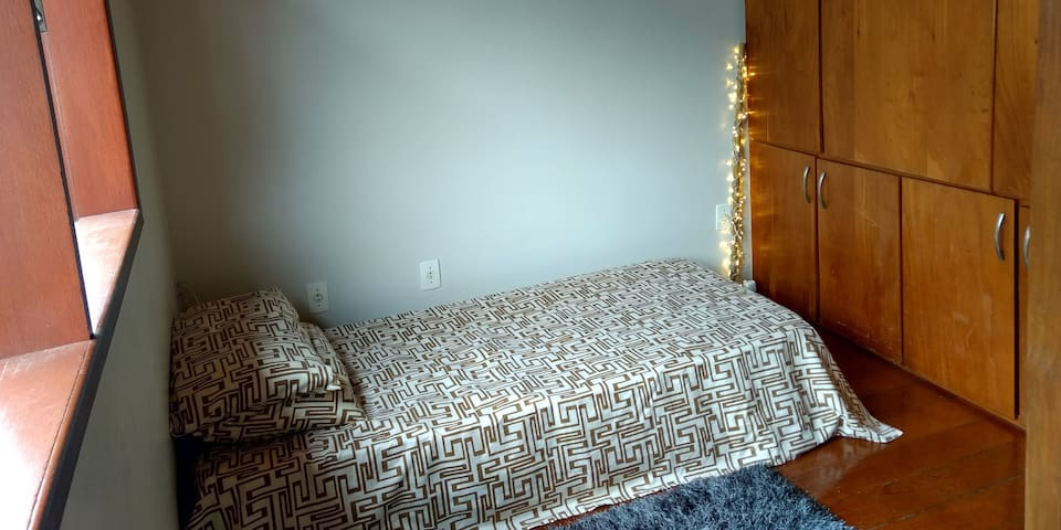Chambre simple et comfortable - Bien situé