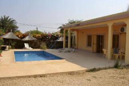 Villa 3 chambres - Piscine -Loc Possible à L'année - Somone - Hus