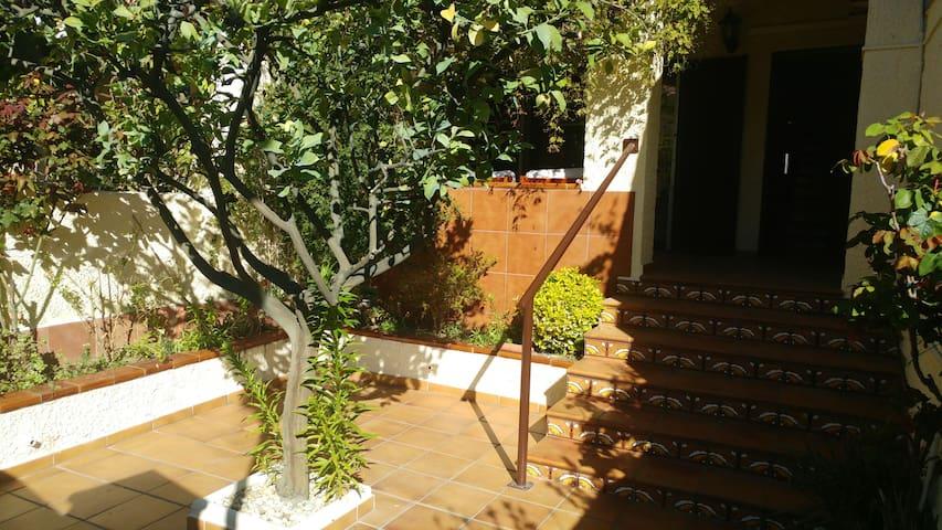 Casa unifamiliar 6 min playa andand - Roda de Berà - House