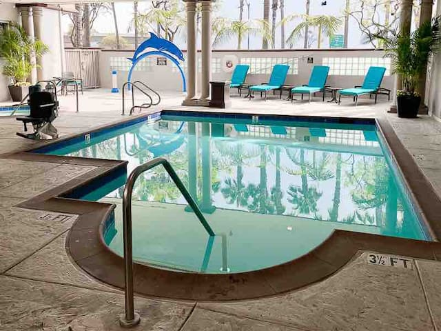 Jacuzzi open daily 8am-10pm Heated Pool.  Kid Dolphin Fountain WaterFall. See posted signs for safety. Your Key gets you in the gate. (checking in early? Just ask the staff for amenity key while you wait for housekeeping making your room super clean)