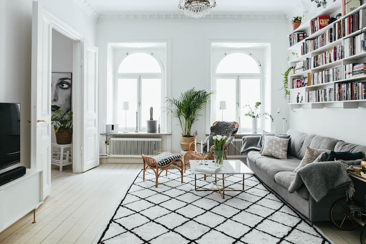 Light, Airy & Fancy Apartment ⋆ Central Stockholm