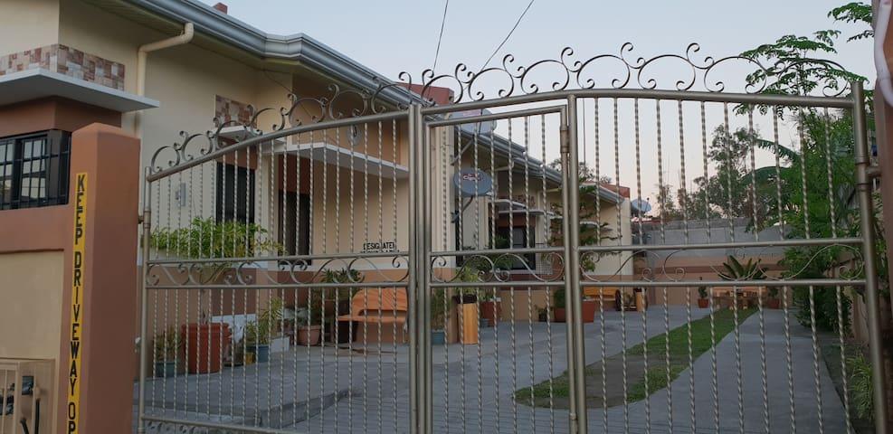 Mortel's Apartment Unit B San Antonio, Zambales