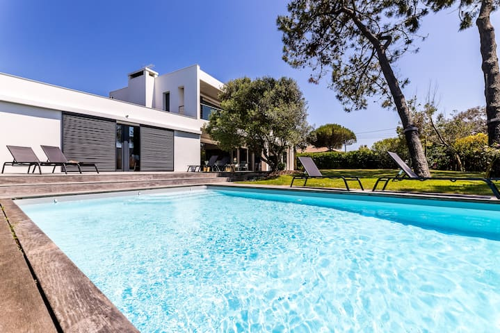 DUNE • KEYWEEK holiday home with pool near the beach in Anglet