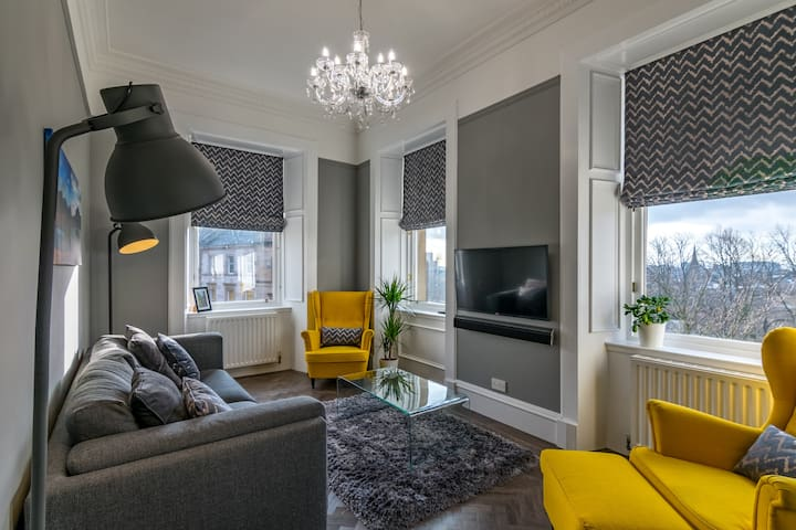 Bright and Airy Apartment - Glasgow