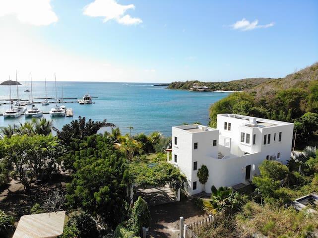 Stunning sea view studio apartment  Dream Location