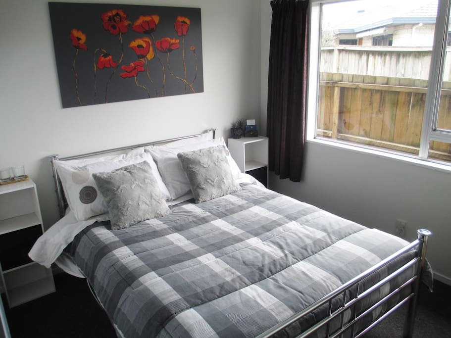 Second separate guest bedroom with double bed (available if three or four of you are travelling together).