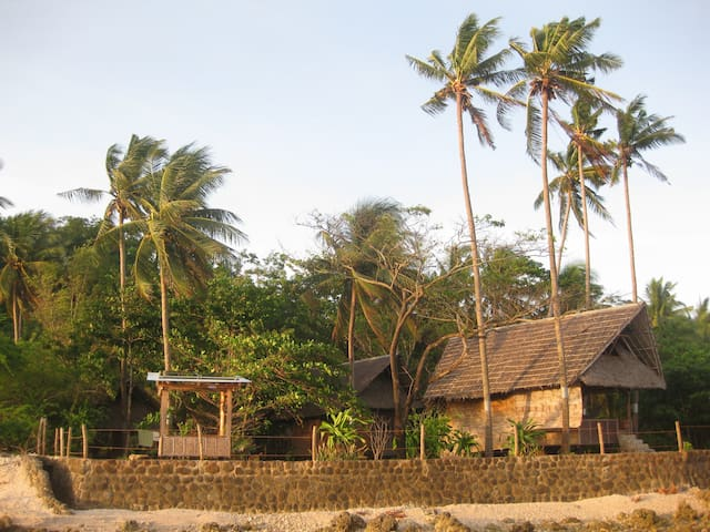Peaceful Seaside Cabin, Tambobo Bay - Tambobo Bay - Huis
