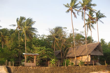 Peaceful Seaside Cabin, Tambobo Bay