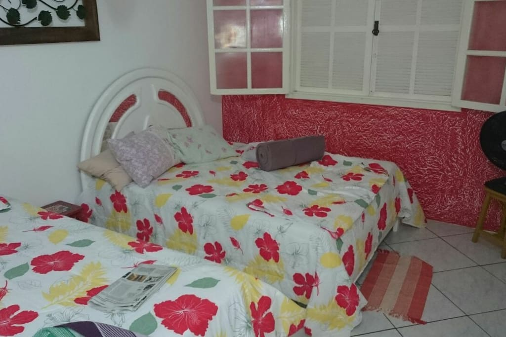 quarto cama casal e solteiro