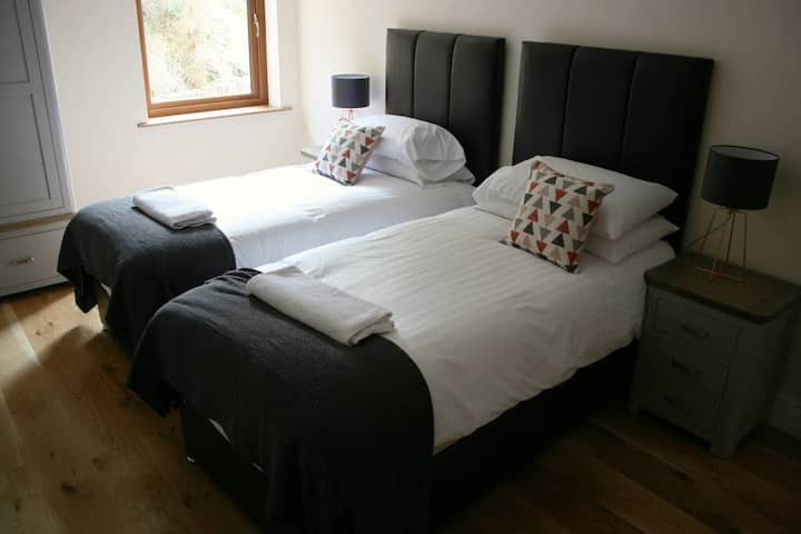 Chalet 4 · Oceanview Chalets -Luxury Accomodation