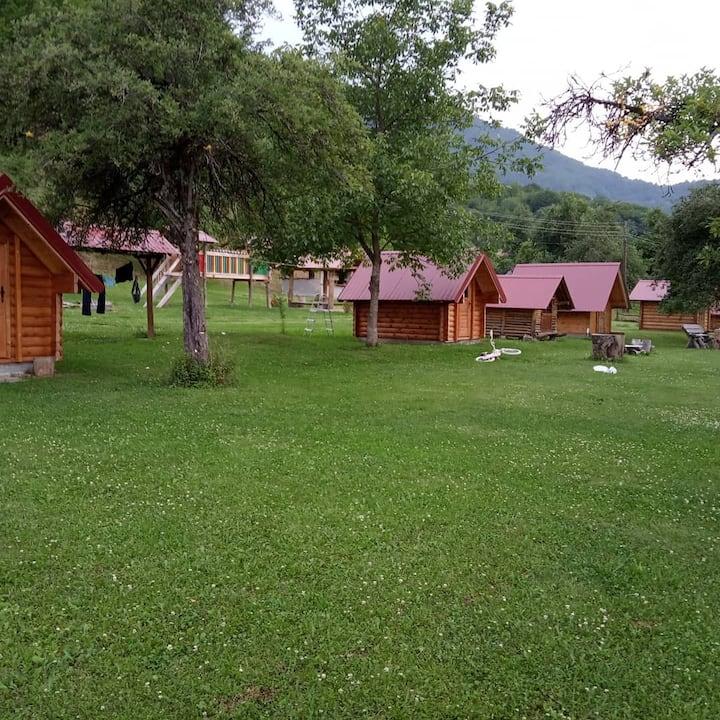 Camp Scepanovic
