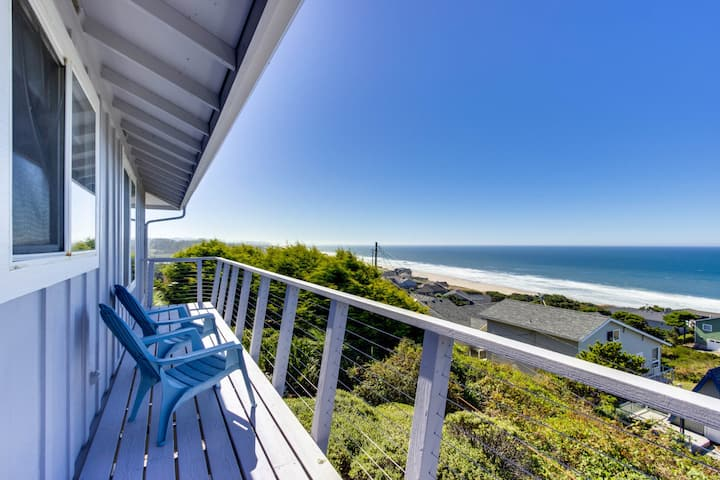 Cozy home w/ vintage appeal - walk to the beach, near town & outdoor recreation!