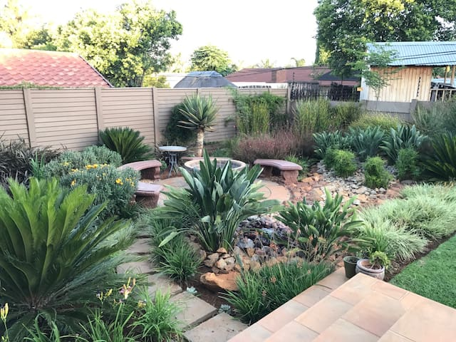 Peaceful comfort - Roodepoort - Hus
