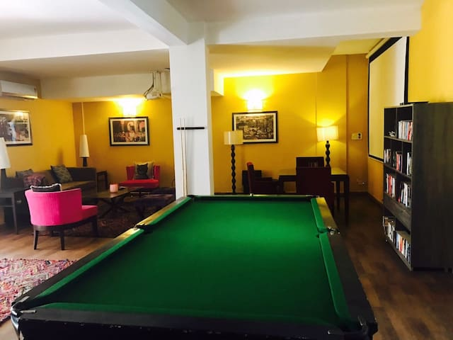 House Party in gurgaon with 4rooms and pool table