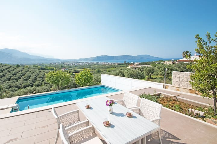 Beautiful 3 bedroom villa,Private pool,Great views - GR - Villa