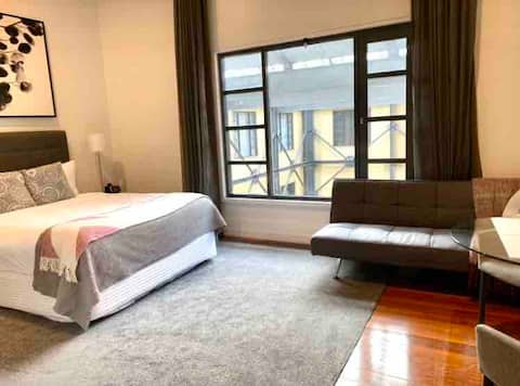 Ultimate LUXURY -  3 min from Sky Tower