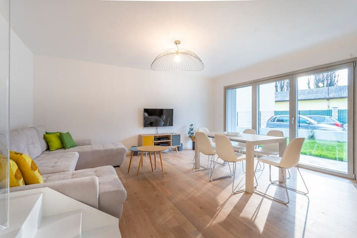 NEW! Modern House with Private Garden in Udine x 5