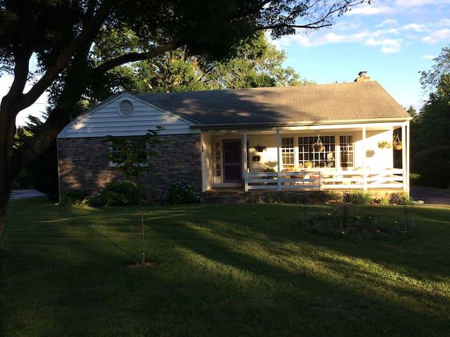 Mid century modern retreat near Princeton