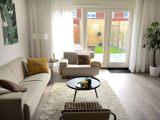 New modern house with garden nearby Rotterdam - Papendrecht - House