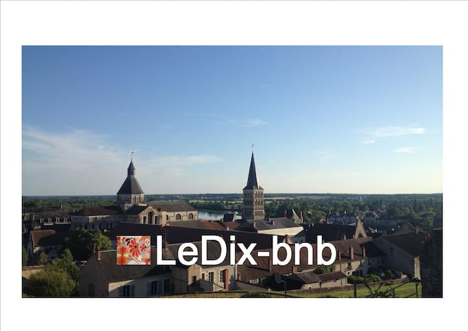 1 belle chambre / LeDix-bnb - La Charité-sur-Loire - Bed & Breakfast