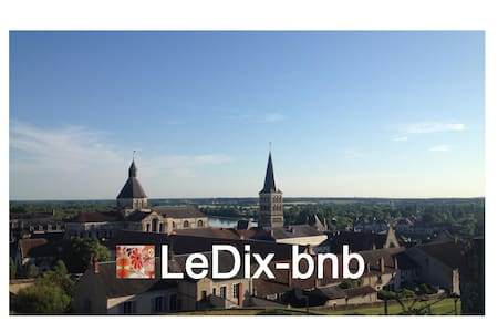1 belle chambre / LeDix-bnb - La Charité-sur-Loire