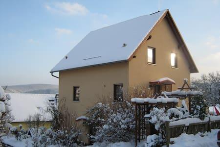 Rückzug in die Idylle - Uhlstädt-Kirchhasel - Lejlighed