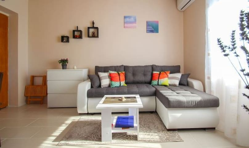 Nice and cosy apartment Mirjam in Novigrad
