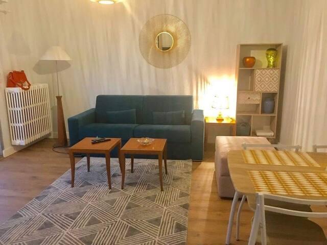 Un grand appartement indépendant à 2 mn de la mer