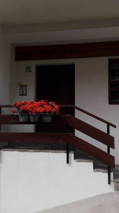 ingresso edificio - front door