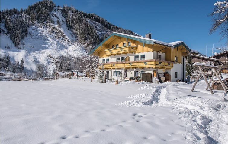 Holiday apartment with 2 bedrooms on 67m² in Rauris