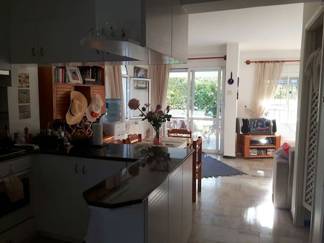Alaçatı Çamlık Yol'da-Ilıca ve Alaçatı arasında! - Çeşme - Dům