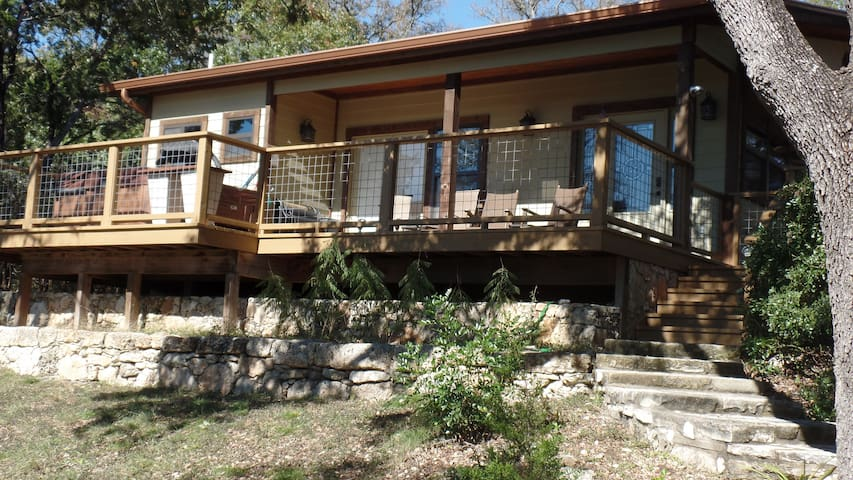 Home on the Range-Hill Country Paradise