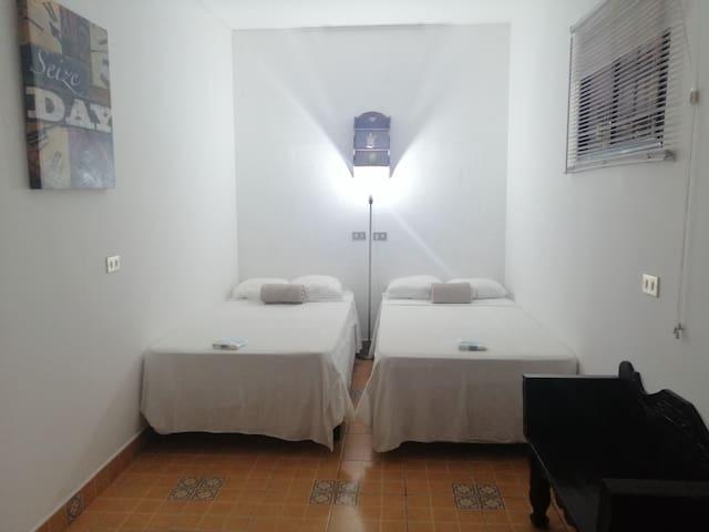 Habitación Doble con capacidad máxima para 2 Personas.