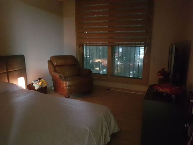 One bed and bath in 3 bedroom apartment. - Yanggam-myeon, Hwaseong-si - Apartment