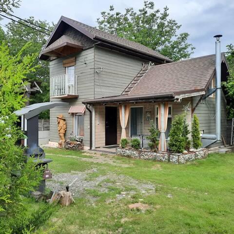 Атмосфера дом с камином в стиле лофт