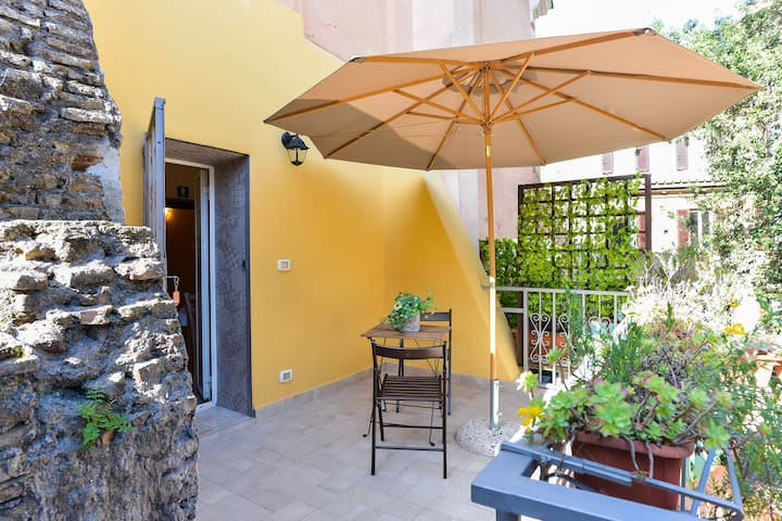 HOME HOLIDAY -Abitare Trastevere- downtown Rome